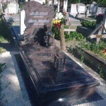 Szimpla sírkő 73