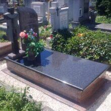 Szimpla sírkő 79