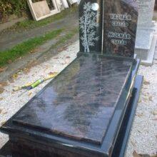 Szimpla sírkő 84