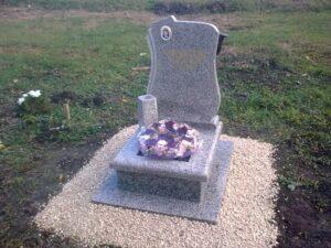 Urna sírkő 21