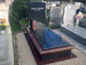 Szimpla sírkő 89