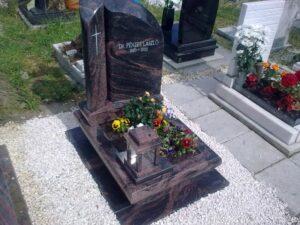 Urna sírkő 19