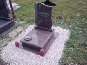 Urna sírkő 16