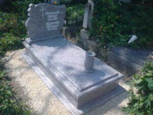 Szimpla sírkő 93