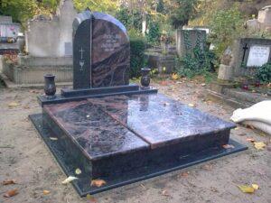 Dupla sírkő 12