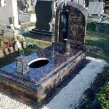 Szimpla sírkő 105