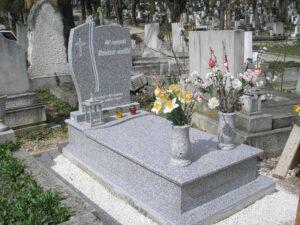 Szimpla sírkő 26