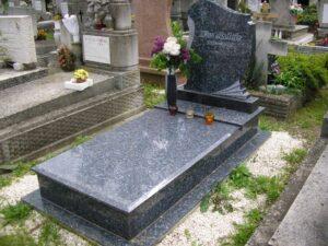 Szimpla sírkő 21