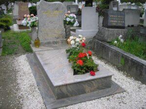 Szimpla sírkő 22