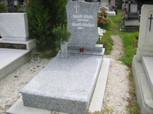 Szimpla sírkő 18