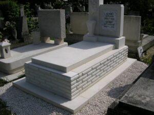 Szimpla sírkő 17