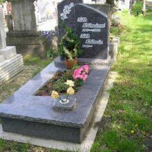 Szimpla sírkő 16