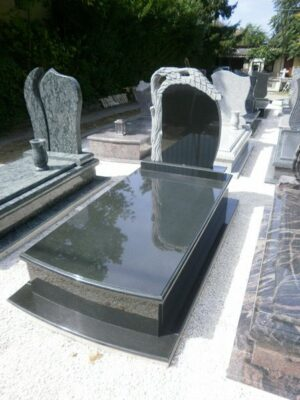 Szimpla sírkő 15