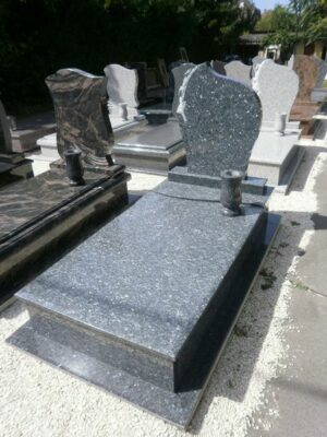 Szimpla sírkő 10