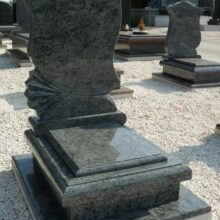 Urna sírkő 10