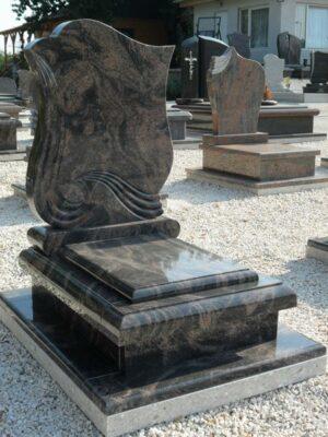 Urna sírkő 3