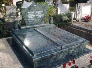 Dupla sírkő 23