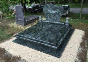 Dupla sírkő 22