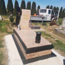 Szimpla sírkő 114