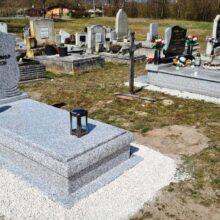 Szimpla sírkő 111