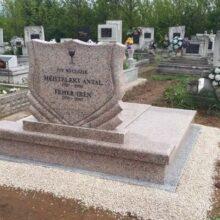 Dupla sírkő 37