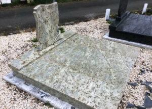 Dupla sírkő 17