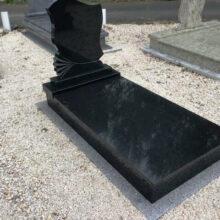Szimpla sírkő 104