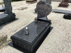Szimpla sírkő 36